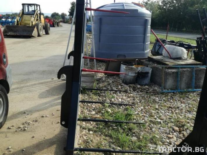 Други Приспособление за повдигане на бали (шишове) 1 - Трактор БГ